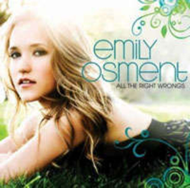 Emily Osment lanseaza `All the Right Wrongs` in octombrie