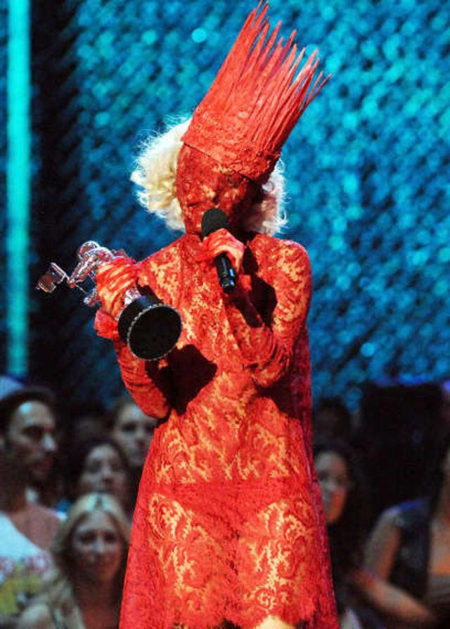 Lady Gaga si moda
