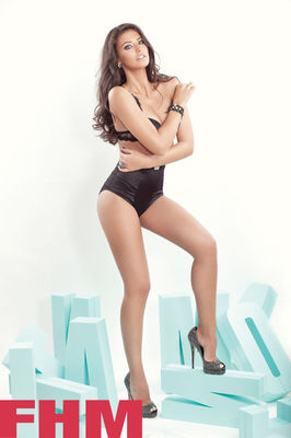 Antonia, poze sexy in FHM
