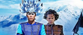 "Empire Of The Sun au lansat o noua piesa - ""High and Low"""